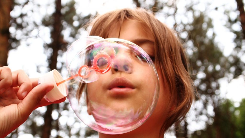 This image has an empty alt attribute; its file name is bubbles-1024x577.jpg